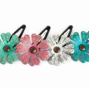 Attractive Daisy Hair Clip in 4 Colours.
